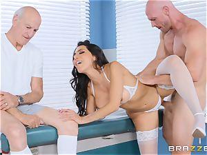 Lela star getting boned in the doctors