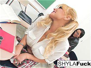 college girl Shyla Gets torn up