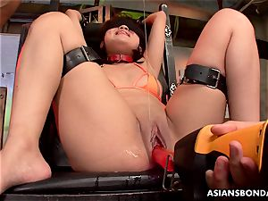 chinese blower got her huge poon lubricated and played