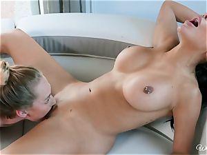 Lela star and Carter Cruise lezzie minge tonguing activity