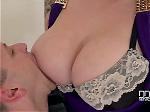 Harmony Reigns - drill my meaty curvy globes until your wifey comes back