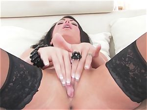 incredible Jessica Jaymes frigs her dripping moist vagina