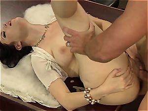 Kimberly Kane's wet cunt gets rode