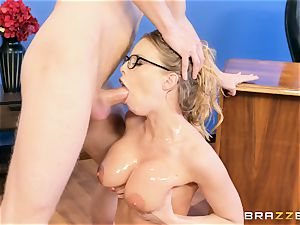 Digging it deep into the arse of Britney Amber