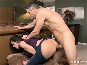 Ariella Ferrera gets forgiven with some rectal hump