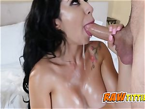 Kim gets her milk cans fondled as her lover inserts her punani