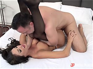 Creaming on the face of August Ames after a torrid firm puss thrashing