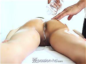 stellar Latina Chloe Amour shoots a load hard after rubdown