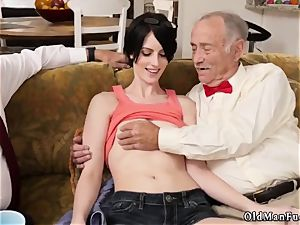 ash-blonde nubile ass jiggle first-ever time Frannkie heads down the Hersey highway