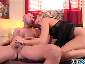 Spizoo - killer Jessa Rhodes is torn up by a massive cock