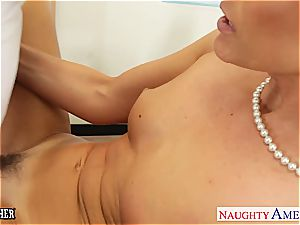 cutie India Summer wants a younger bone to please her