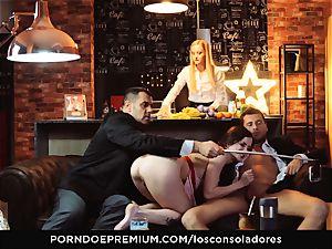 LOS CONSOLADORES - Cassie Fire strenuous duo 4some