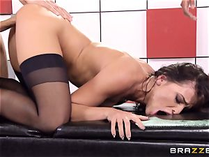 Adriana Chechik pokes trio chisels at once