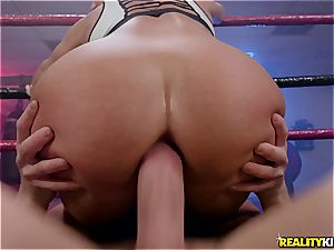Cali Carter is the boxing beauty that loves to stuff her taut cage
