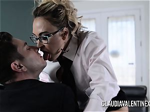 Claudia Valentine plumbed and creampied by her therapist