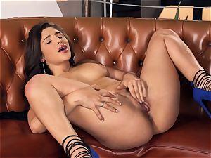 Abella Danger making her edible vag spunk