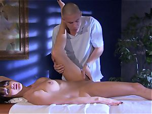honey Alektra Blue crams her gullet with her lover's phat trunk until she gasps