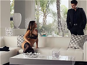 fantastic Eva Lovia is training her boyfriend some manners before the party