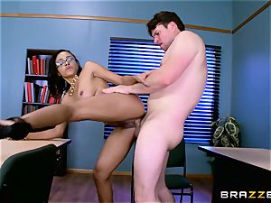 Anya Ivy plowed in her raw pussy
