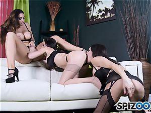Jessica Jaymes and mate slurping poon