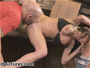 Veronica Avluv gets her revenge with a red-hot threesome