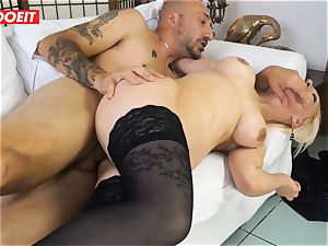 super-fucking-hot milf gets poked hardcore in first-ever time casting